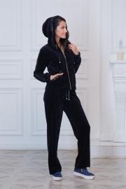 Спортивный велюровый костюм с капюшоном